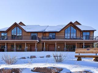Luxury Stagecoach Properties @ Apple Springs, Sturgis