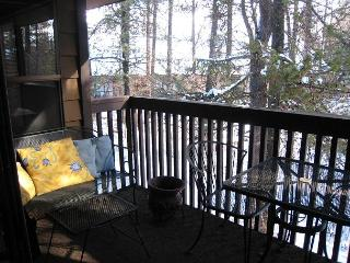 Deluxe Aspens Condo close to town, Ponderosa Park and Golf Course, McCall