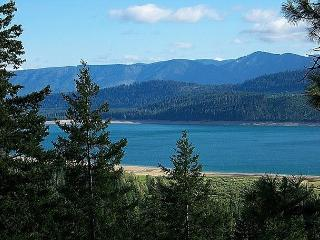 Get FREE Nights! New, Custom Home overlooking Lake Cle Elum! 4BR/4BA! - Ronald vacation rentals