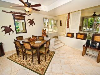 Beautifully Renovated and Furnished 2-Bedroom Condo, Wailea