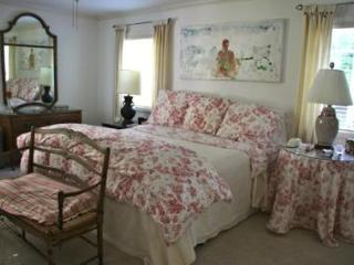 Honey Retreat: Lovely Beach Cottage, Carmel