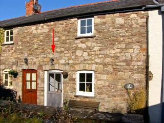 CARIAD COTTAGE, pet friendly, character holiday cottage, with a garden in Llangattock, Ref 13370