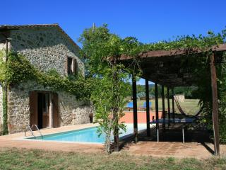 Secluded, restored mill with private pool, Umbria, Perugia
