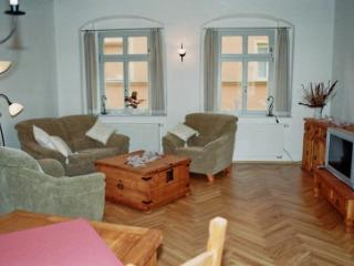 LLAG Luxury Vacation Apartment in Pirna - 1033 sqft, high-quality furnishing, historic (# 2486) - Pirna vacation rentals