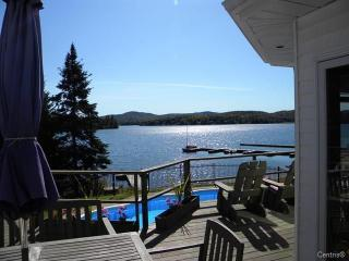 Luxurious Lakefront  Home, Mt.Tremblant  Region. - Mont Tremblant vacation rentals