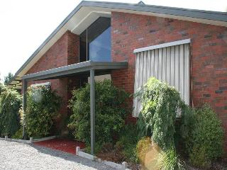 Bed of Roses B&B   Self Contained & Pet Friendly, Swan Hill