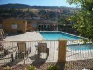 Family and Pet Perfect 2 Bedroom Condo, Kelowna