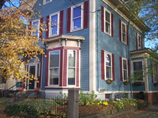 Cambridge Getaway     Charming Furnished 2 Bedroom