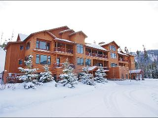 Great Location with Fantastic Views - High Quality Finishes & Furniture Throughout (1060), Big Sky