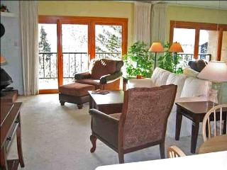 Upscale, Rustic Two Level Condo - Perfect for a Small Family (1004), Ketchum