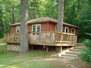 Northern Wisconsin 2 Bedroom Cabin, Lac du Flambeau