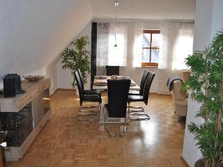 Vacation Apartment in Veitshöchheim - 1098 sqft, newly furnished, central, spacious (# 2514)