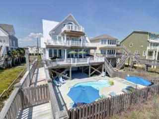 Moondance - Direct Oceanfront,Pool,HotTub,Elevator, North Topsail Beach