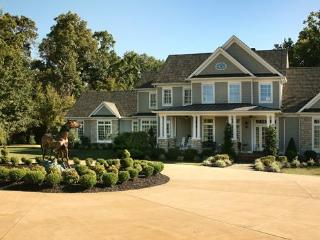 Front of Bluegrass Country Estate