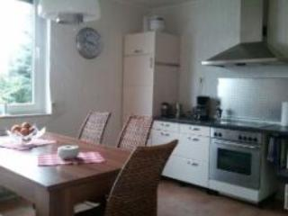 Vacation Apartment in Düsseldorf-Kaiserswerth - 840 sqft, spacious, comfortable, central (# 2518)