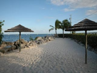 4 Bedroom with guest quarters! 612 Mariners Club, Key Largo