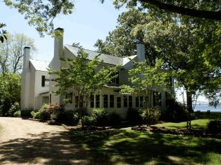 Pop Castle- Historic Gem on the Rappahannock River, White Stone