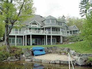 Lake Winnipesaukee-Upscale 6-bdrm luxury-sleeps 14, Wolfeboro