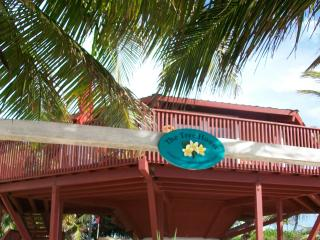 The Tree House, charming 2 bedroom  beach house, San Pedro