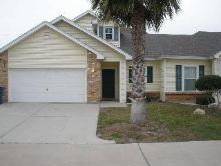 3 bed 2.5 bath, community pool, close to the beach, Port Aransas