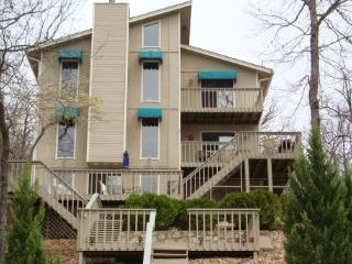 Paradise Cove - Unbelievable 4 Bedroom 3 Bath Lake Home. 10 MM Spring Cove. Great Hot Tub.