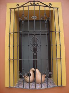 External window with two Palomitas