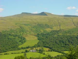 Carno Farm Cottage in Brecon Beacons National Park