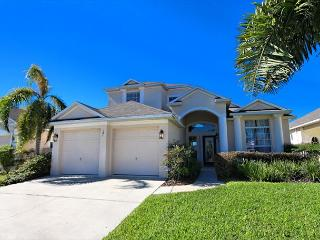 CITRUS RIDGE: 5 Bedroom Home with Pool Area Overlooking Palm and Orange Trees, Davenport