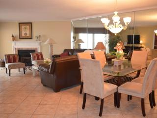 Beach Cottage 1113, Pool Level Condo!!!, Indian Shores