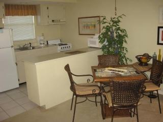 Tommy Bahama style Resort Condo located close to shopping, Isla Marco