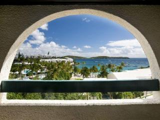 SEAS THE MOMENT, luxury 3 bed. Cowpet beach condo, St. Thomas
