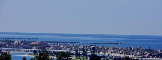 southwest view of Pacific Beach to Coronado - New Vacation House Great Views & Creature Comforts - San Diego - rentals