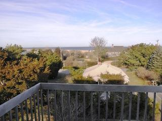 ~NAUSET HEIGHTS VACATION HOME ~, East Orleans