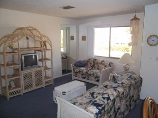 Tropical island oasis - Bradenton Beach vacation rentals
