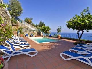 Villa Stella - Magnificent 2 level villa with spacious terraces with pool, Amalfi