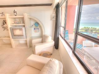 2 bedroom Condo, Oceanfront Resort- Unit 911, Miami Beach