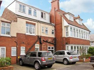 SOUTH BAY, semi-detached property, many en-suites, playroom, electric fire, two minute walk to the beach, in Bridlington, Ref 14904