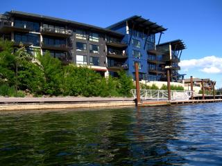 CDA Luxury 2/2 Waterfront Condo- free wi-fi - Coeur d'Alene vacation rentals