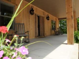 Brand New Luxury Cabin-- Rent as 2, 4 or 6 bedroom, Crossville