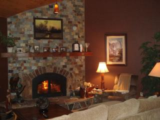 Yosemite / Bass Lake Romantic Bed & Breakfast - Yosemite National Park vacation rentals