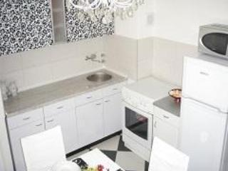 HIGH QUALITY --- LOW PRICED APARTMENT, Zagreb