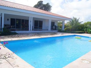 5 bedroom villa with lot of space for large groups, Sosúa