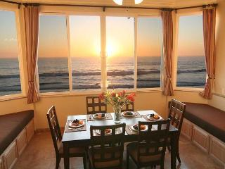 Oceanfront w/ 6br/5.5ba, rooftop, spa, Oceanside
