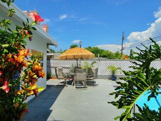 Seawinds Beach Retreat - 5 Bdrs - Private Pool, Clearwater