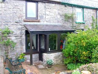 1 HWYLFA TERRACE, stone-built cottage, sleeping four people, with woodburning stove, in Llysfaen, Ref 14468 - Colwyn Bay vacation rentals