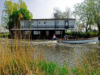 Houseboat/Watervilla more Dutch you can not get!, Oost-knollendam