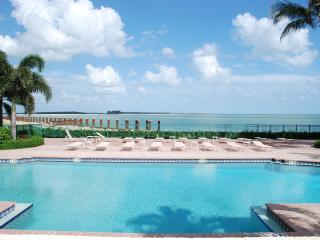 Fantastic Summer Rates!!-2 mo rentals only, Marco Island