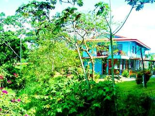 The Riverbank 1 and 2: Your Oasis in La Fortuna, La Fortuna de San Carlos