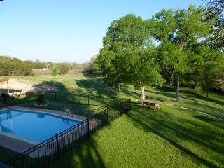 M&M Creekside Hill Country Retreat in Lampasas, Tx