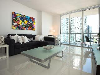 Gorgeous Modern Condo in Prestigious ICON Brickell, Miami